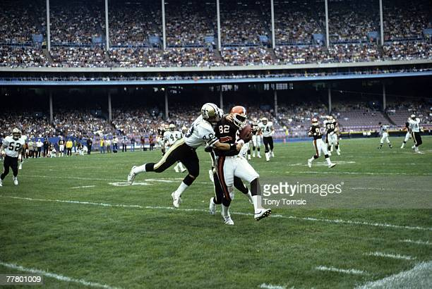 Tight end Ozzie NEwsome of the Cleveland Browns catches a pass during a game on October 28 1984 against the New Orleans Saints at Municipal Stadium...