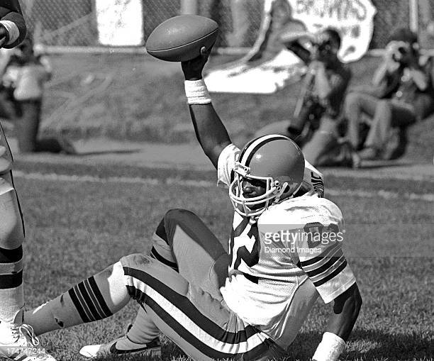 Tight end Ozzie Newsome of the Cleveland Browns celebrates after catching an 18 yard pass from quarterback Brian Sipe during a game against the...