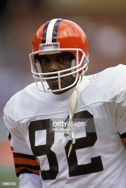 Tight end Ozzie Newsome of the Cleveland Browns stands on the field during a 1990 NFL game against the New York Jets The Browns defeated the Jets 3824