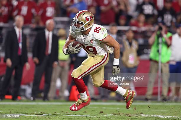 Tight end Vance McDonald of the San Francisco 49ers runs during the second half of the NFL football game against the Arizona Cardinals at University...