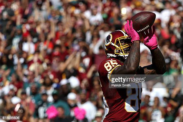 Tight end Vernon Davis of the Washington Redskins celebrates after scoring a second quarter touchdown against the Philadelphia Eagles at FedExField...