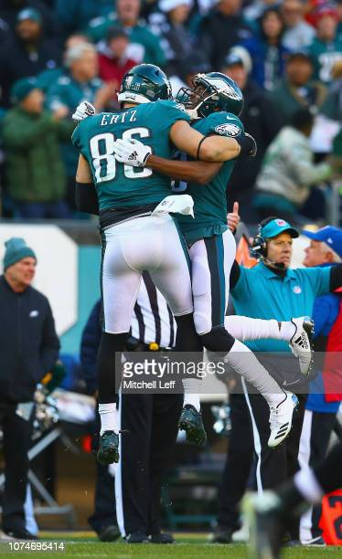 Tight end Zach Ertz of the Philadelphia Eagles celebrates his touchdown with wide receiver Nelson Agholor against the Houston Texans during the...