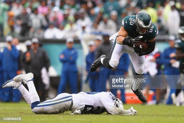 Tight end Zach Ertz of the Philadelphia Eagles makes a catch for a first down against defensive back Malik Hooker and defensive back Clayton Geathers...