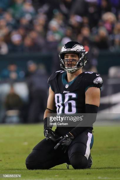 Tight end Zach Ertz of the Philadelphia Eagles reacts as they play against the Dallas Cowboys during the fourth quarter at Lincoln Financial Field on...