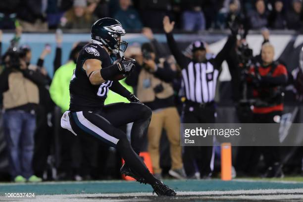 Tight end Zach Ertz of the Philadelphia Eagles scores a touchdown against the Dallas Cowboys in the third quarter during the third quarter at Lincoln...