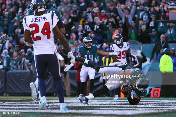 Tight end Zach Ertz of the Philadelphia Eagles scores a touchdown against the Houston Texans during the second quarter at Lincoln Financial Field on...