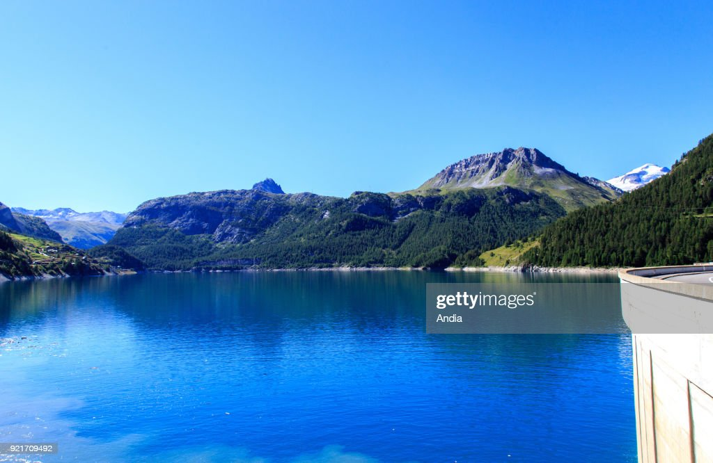 Reservoir of the lake 'lac du Chevril' viewed from the dam. : News Photo