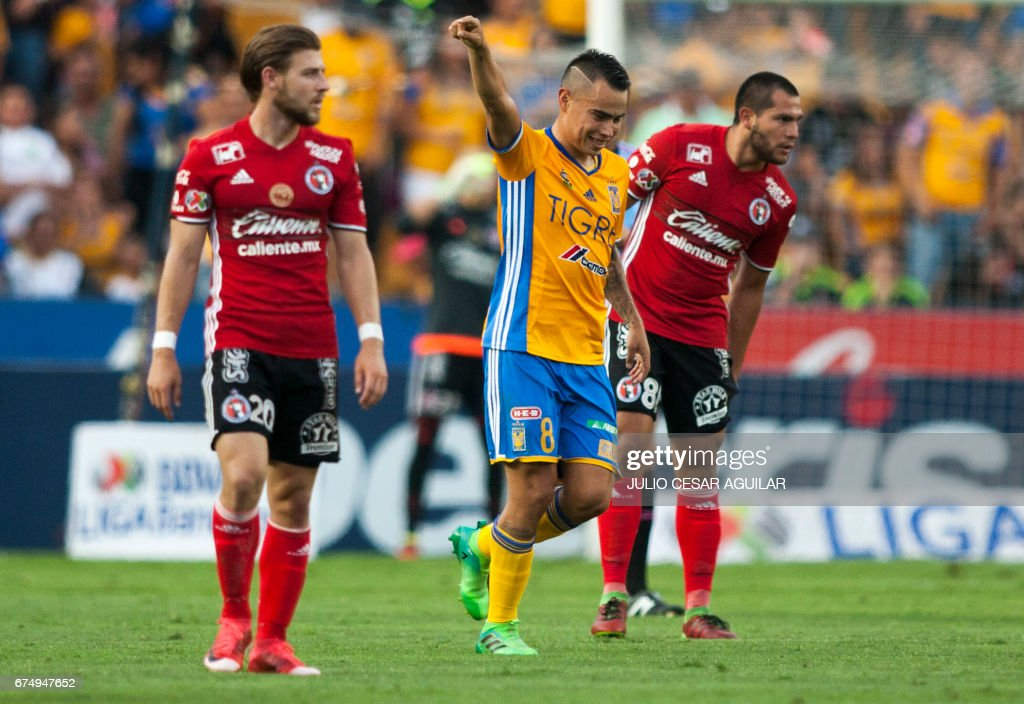 FBL-MEX-TIGRES-TIJUANA : News Photo