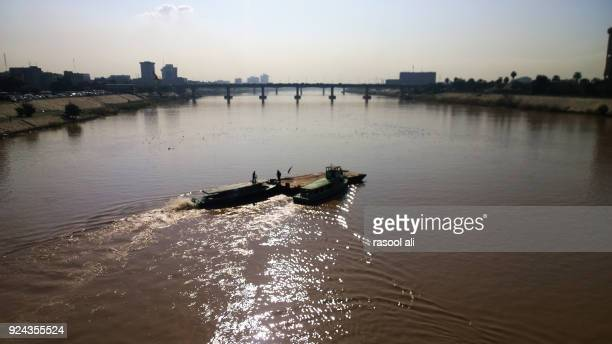 tigris river - iraq stock pictures, royalty-free photos & images