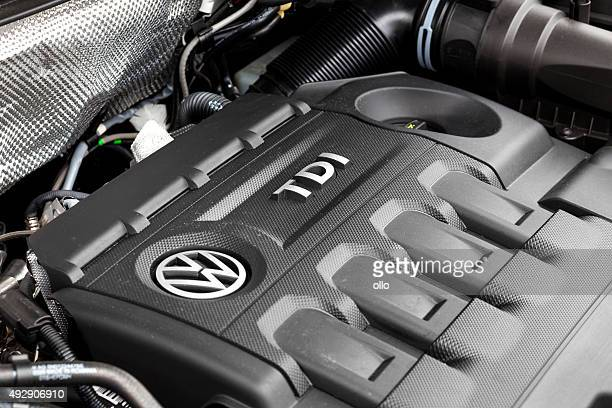 vw tiguan tdi engine bay - volkswagen stock pictures, royalty-free photos & images