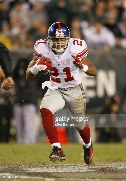 Tiki Barber of the New York Giants during the NFC Wildcard game against the Philadelphia Eagles at Lincoln Financial Field in Philadelphia, PA on...