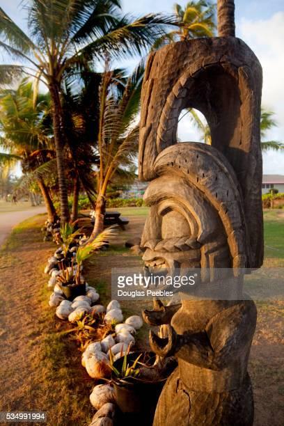 tiki, kapaa beach park, kauai, hawaii - kapaa beach park ストックフォトと画像