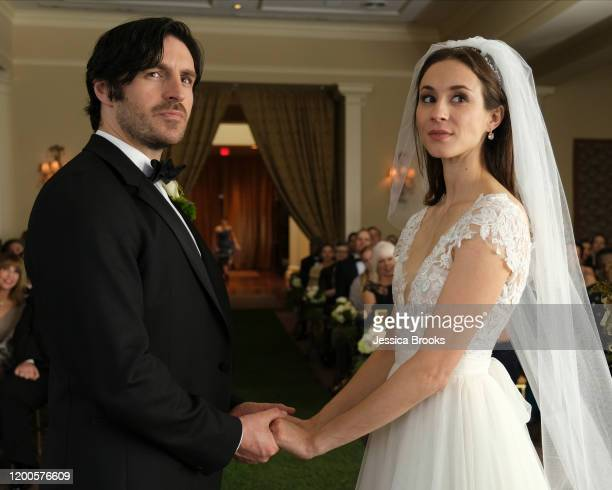 STUMPTOWN 'Til Dex Do Us Part Dex is hired to investigate a bride's fiancé after suspicions arise regarding the motives behind the hurried nuptials...