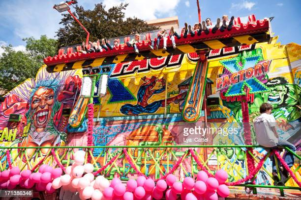 tilburg fun fair # 2 xxxl - tilburg stock pictures, royalty-free photos & images