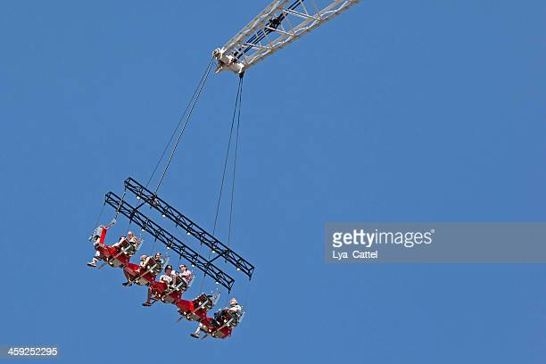 tilburg fun fair # 7 xxxl - tilburg stock pictures, royalty-free photos & images