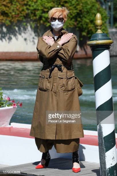 Tilda Swinton pays tribute to Chadwick Boseman as she arrives at the Excelsior at the 77th Venice Film Festival on September 01, 2020 in Venice,...