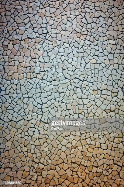 tiled exterior wall, polished irregular shaped stone - irregular texturizado stock pictures, royalty-free photos & images