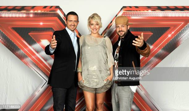 """Till Broenner, Sarah Connor and Mirko Bogojevic attend """"X-Factor"""" Photocall at """"Alte Zollamt"""" on June 24, 2011 in Hamburg, Germany."""