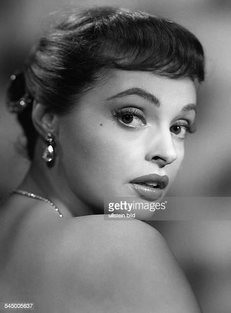 Tiller Nadja *Schauspielerin D um 1960