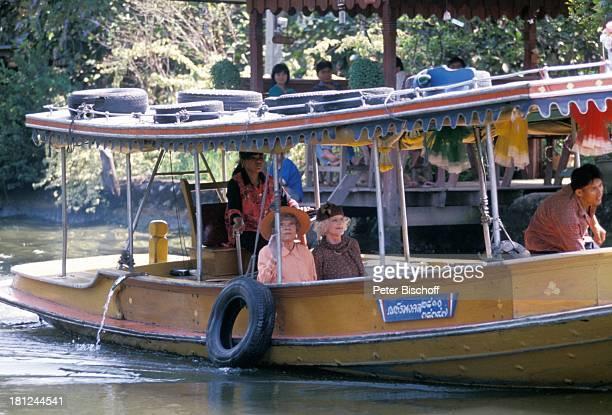 Tilly Lauenstein Elisabeth Wiedemann Einheimische PRO 7 Serie Glueckliche Reise Folge 7 Thailand Bangkok/Thailand/Asien Kloang Fluss Boot Hut...