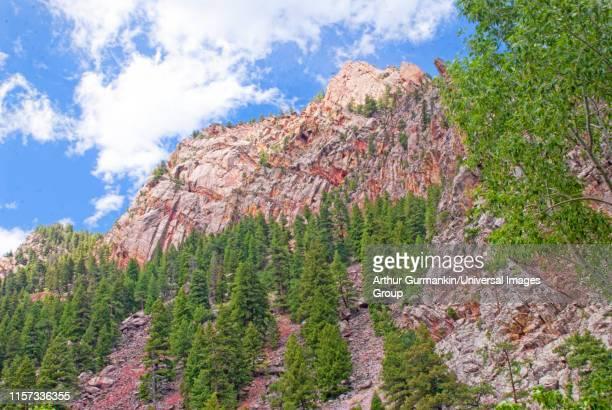 tilted slabs of sedimentary rock, rocky mountains - arthur foto e immagini stock
