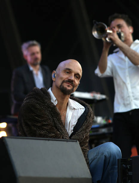 Andy diagram photos images de andy diagram getty images tim booth and mark hunter and andy diagram of james perform at common people festival on ccuart Image collections