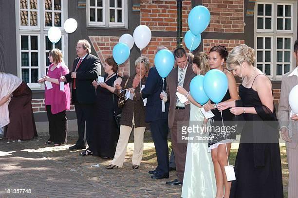 Tim Borowski Ehefrau Lena standesamtliche Hochzeit Gut Sandbeck OsterholzScharmbeck Deutschland ProdNr 999/2006 Standesamt FußballNationalspieler...