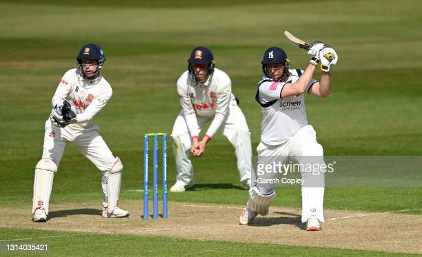 Tim Bresnan of Warwickshire bats watched by Essex wicketkeeper Adam Wheater during the LV= Insurance County Championship match between Warwickshire...