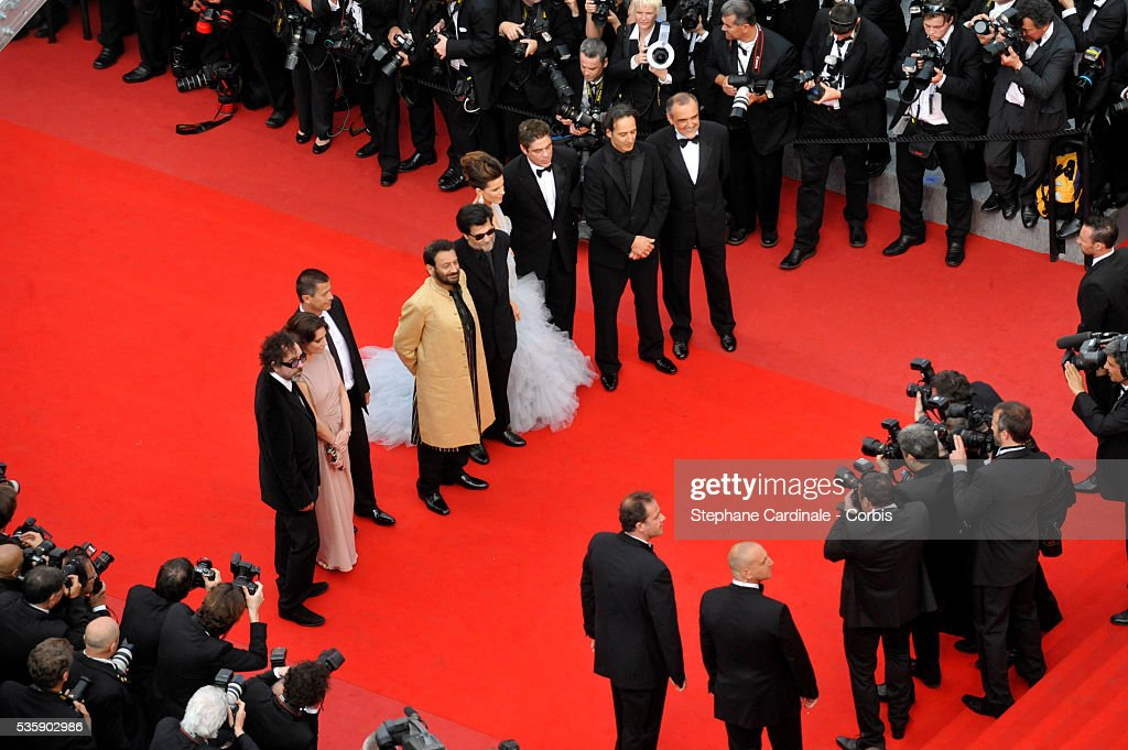 Tim Bruton, Giovanna Mezziogiorno, Emmanuel Carrere, Shekhar Kapur, Victor Erice, Kate Beckinsale, Benicio del Toro, Alexandre Desplat and Alberto Barbera at the premiere of ''Robin Hood' during the 63rd Cannes International Film Festival.