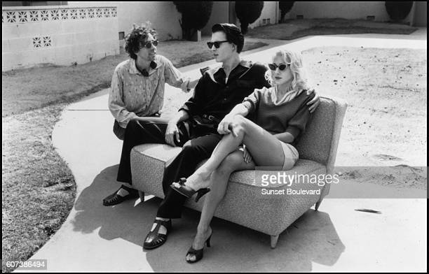 Tim Burton Johnny Depp and Sarah Jessica Parker on the film set of 'Ed Wood'
