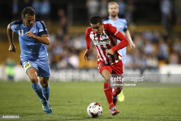 Tim Cahill dribbles the ball during the FFA Cup Quarter Final match between Sydney FC and Melbourne City at Leichhardt Oval on September 13 2017 in...