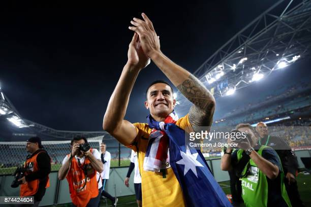 Tim Cahill of Australia thanks fans after winning the 2018 FIFA World Cup Qualifiers Leg 2 match between the Australian Socceroos and Honduras at ANZ...
