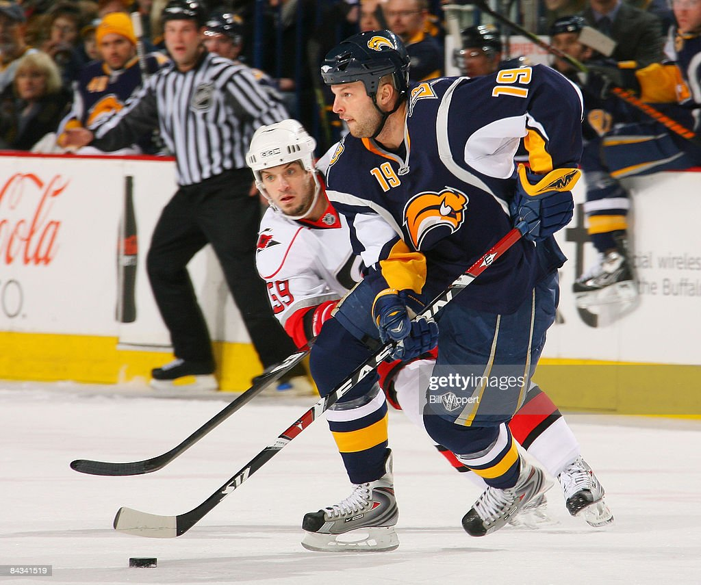 Carolina Hurricanes v Buffalo Sabres : News Photo