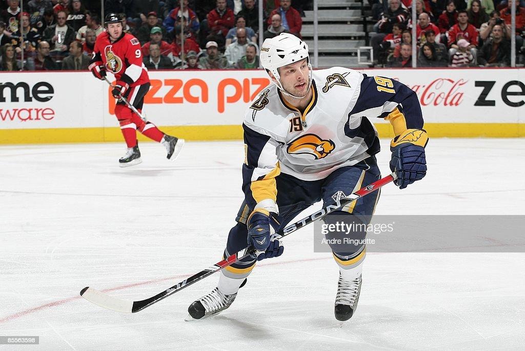Buffalo Sabres v Ottawa Senators : News Photo