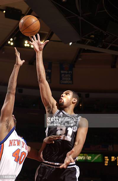 Tim Duncan of the San Antonio Spurs shoots over Kurt Thomas of the New York Knicks at Madison Square Garden in New York New York DIGITAL IMAGE NOTE...