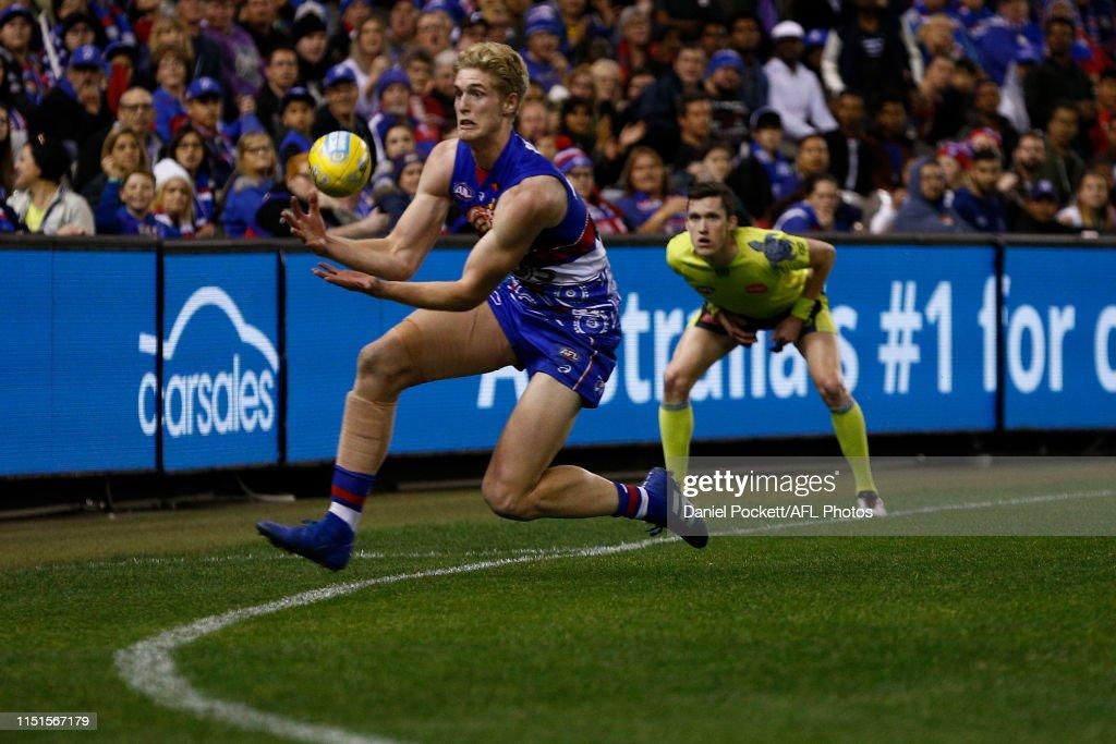 AFL Rd 10 - Western Bulldogs v North Melbourne : News Photo