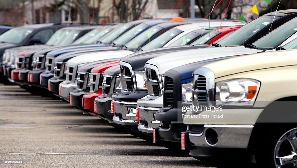 Lee Auto Mall >> A Row Of Cars In The Lot At Lee Auto Mall In Westbrook On