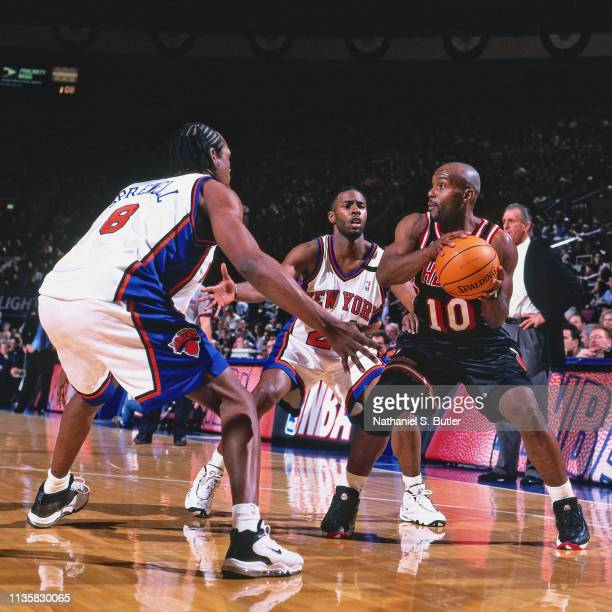 Tim Hardaway of the Miami Heat handles the ball against the New York Knicks on February 7 1999 at the Madison Square Garden in New York New York NOTE...