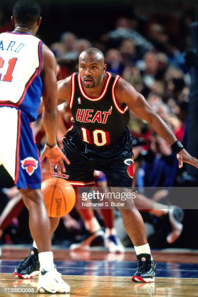 Tim Hardaway of the Miami Heat plays defense against the New York Knicks on February 7 1999 at the Madison Square Garden in New York New York NOTE TO...