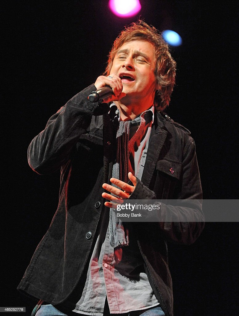 Tim Howar of Mike & The Mechanics performs at Best Buy Theater on March 4, 2015 in New York City.
