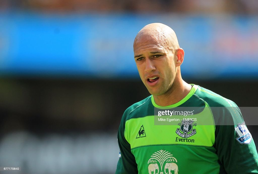 new product 6245b 984e7 Tim Howard, Everton goalkeeper News Photo - Getty Images