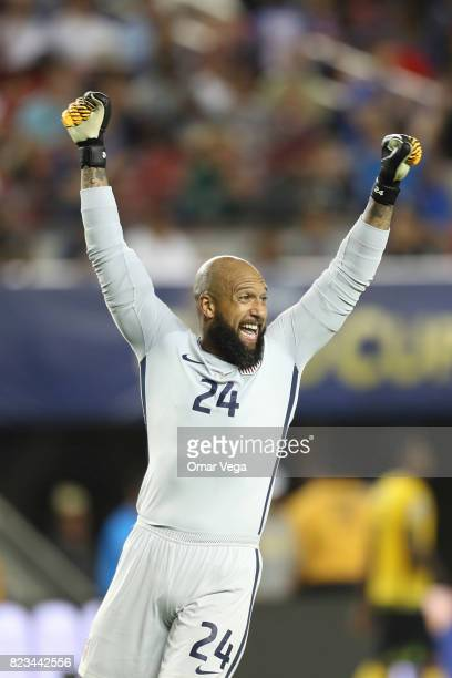 Tim Howard goalkeeper of United States celebrates after winning the CONCACAF Gold Cup 2017 final match between United States and Jamaica at Levi's...