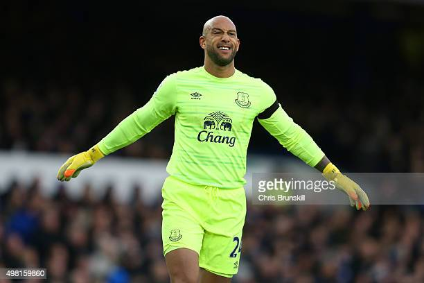 Tim Howard of Everton celebrate his team's first goal during the Barclays Premier League match between Everton and Aston Villa at Goodison Park on...