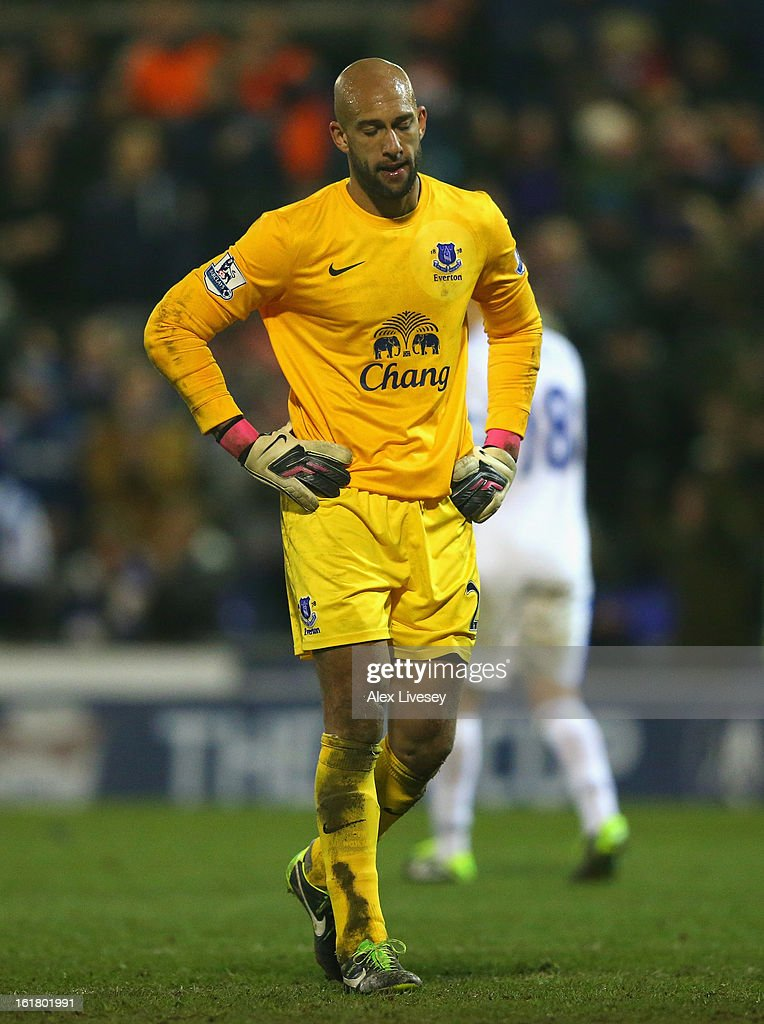 Tim Howard of Everton looks dejected during the FA Cup with Budweiser Fifth Round match between Oldham Athletic and Everton at Boundary Park on February 16, 2013 in Oldham, England.