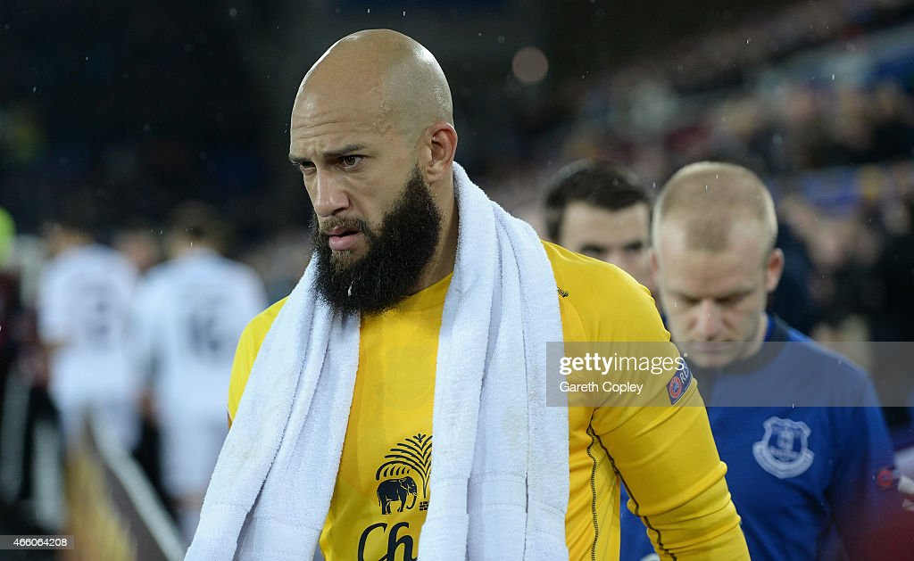Tim Howard of Everton walks on to the field ahead of the UEFA Europa League Round of 16 match between Everton FC and FC Dynamo Kyiv on March 12, 2015 in Liverpool, United Kingdom.