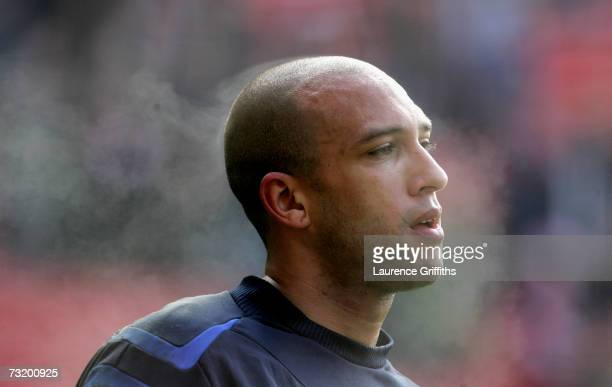 Tim Howard of Everton warms up during the Barclays Premiership match between Liverpool and Everton at Anfield on February 3 2007 in Liverpool England