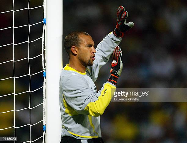 Tim Howard of the USA organises his defence during the FIFA Confederations Cup Group B match between USA and Brazil held on June 21 2003 at the Stade...