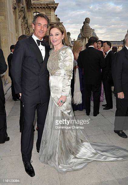 Tim Jeffries and Becca Cason Thrash attend the 'Liaisons Au Louvre II' Charity Gala Dinner at Musee du Louvre on June 14 2011 in Paris France