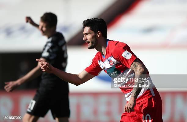 Tim Kleindienst of 1. FC Heidenheim 1846 celebrates after scoring their side's second goal during the Second Bundesliga match between 1. FC...