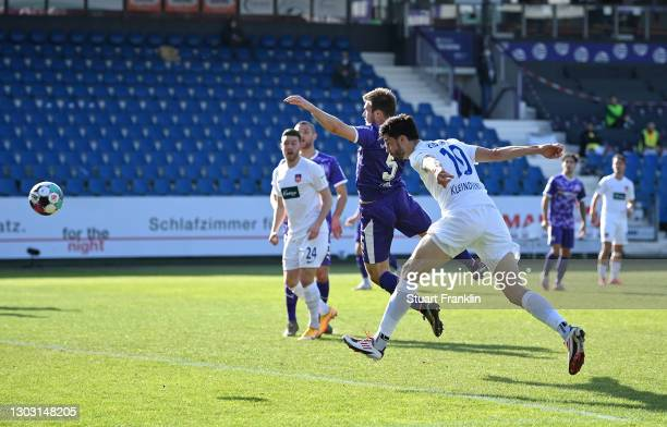 Tim Kleindienst of 1. FC Heidenheim 1846 scores his team's first goal during the Second Bundesliga match between VfL Osnabrück and 1. FC Heidenheim...